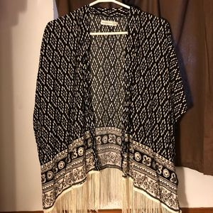Accessories - Abercrombie & Fitch Black and White Shawl